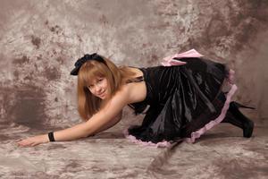 http://img163.imagevenue.com/loc103/th_232555757_Silver_Sandrinya_maid_3_036_122_103lo.jpg