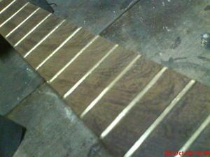 reparar clavijero guitarra