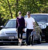 Anne Hathaway hiking with Adam Shulman in Hollywood Hills, April 5 - 3 HQ