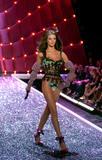 Rosie Huntington-Whiteley - Victoria's Secret Fashion Show, November 16 2006, x11HQs
