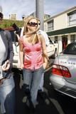 th_02708_brit072sandino_122_628lo - Britney Spears va mieux, son décolleté aussi