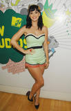 th_10744_Celebutopia-Katy_Perry-MTV_TRL-04_122_698lo.JPG
