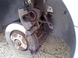 Fonkelnieuw How to : Remklauwen spuiten - Peugeot Tuning Club YW-07